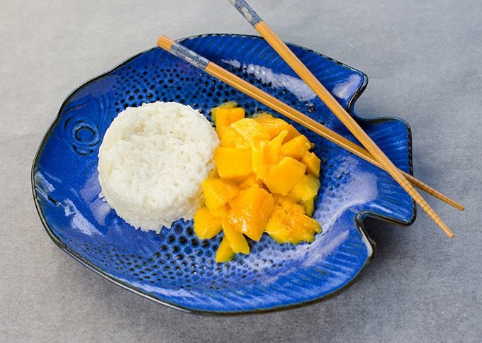 Coconut Sticky Rice with Fresh Mangos
