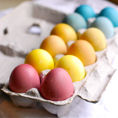 Easter Eggs the Natural Way