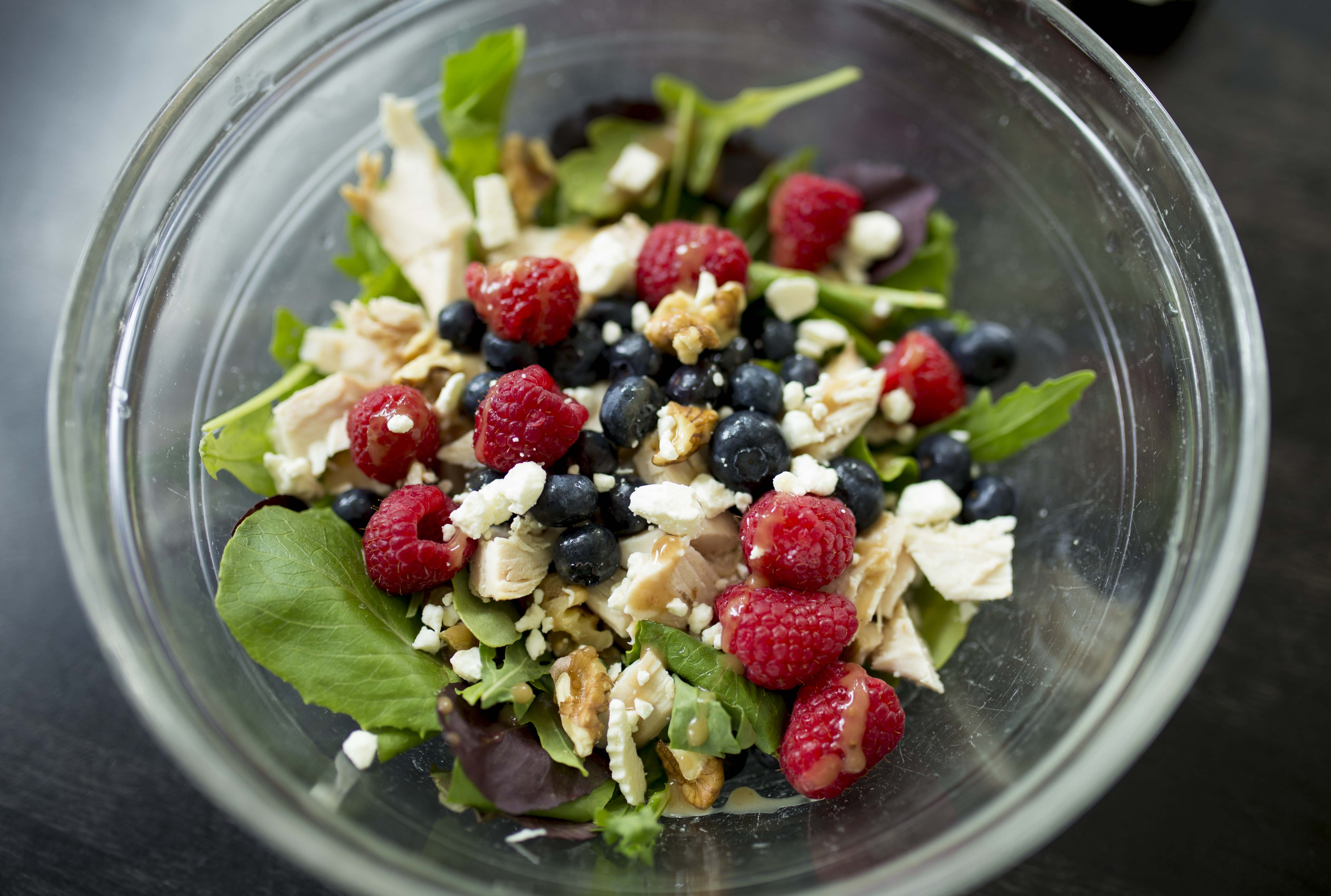 5-Minute Chicken and Berry Salad
