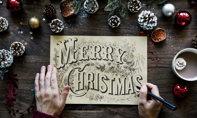 Keep the Christmas Card Tradition Alive: From Ultra Traditional to Modern and Digital