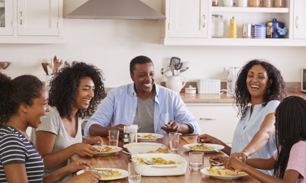 The Benefits of Family Dinner and How to Make it a Priority