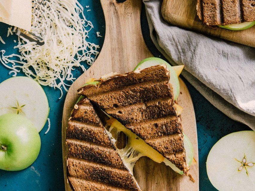 Grilled Apple Gouda Sandwich